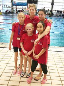 Op de foto met de klok mee: Mariëlle (met medailles) - Jasper - Mayssara - Gia Han - Sterre